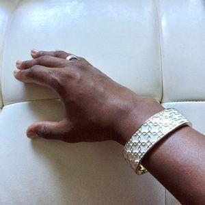 Jewelry - Golden patterned bangle bracelet